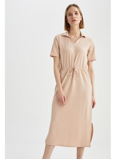 DeFacto Gömlek Yaka Beli Bağcıklı Yırtmaçlı Kısa Kollu Elbise Bej